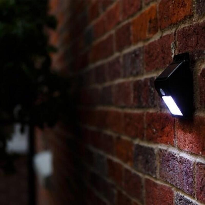 Eco Wedge solcellsvägglampa med sensor